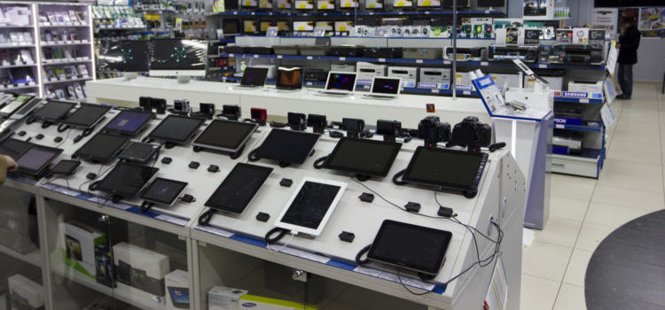 обман в магазине техники